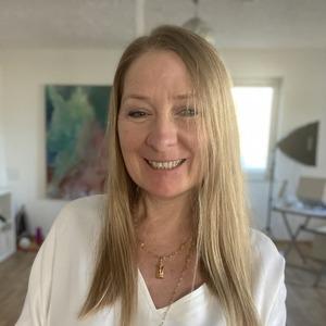 Nica Schuemie webinar platform hosts Inner Peace Meditation
