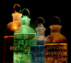 675px-chemicals_in_flasks