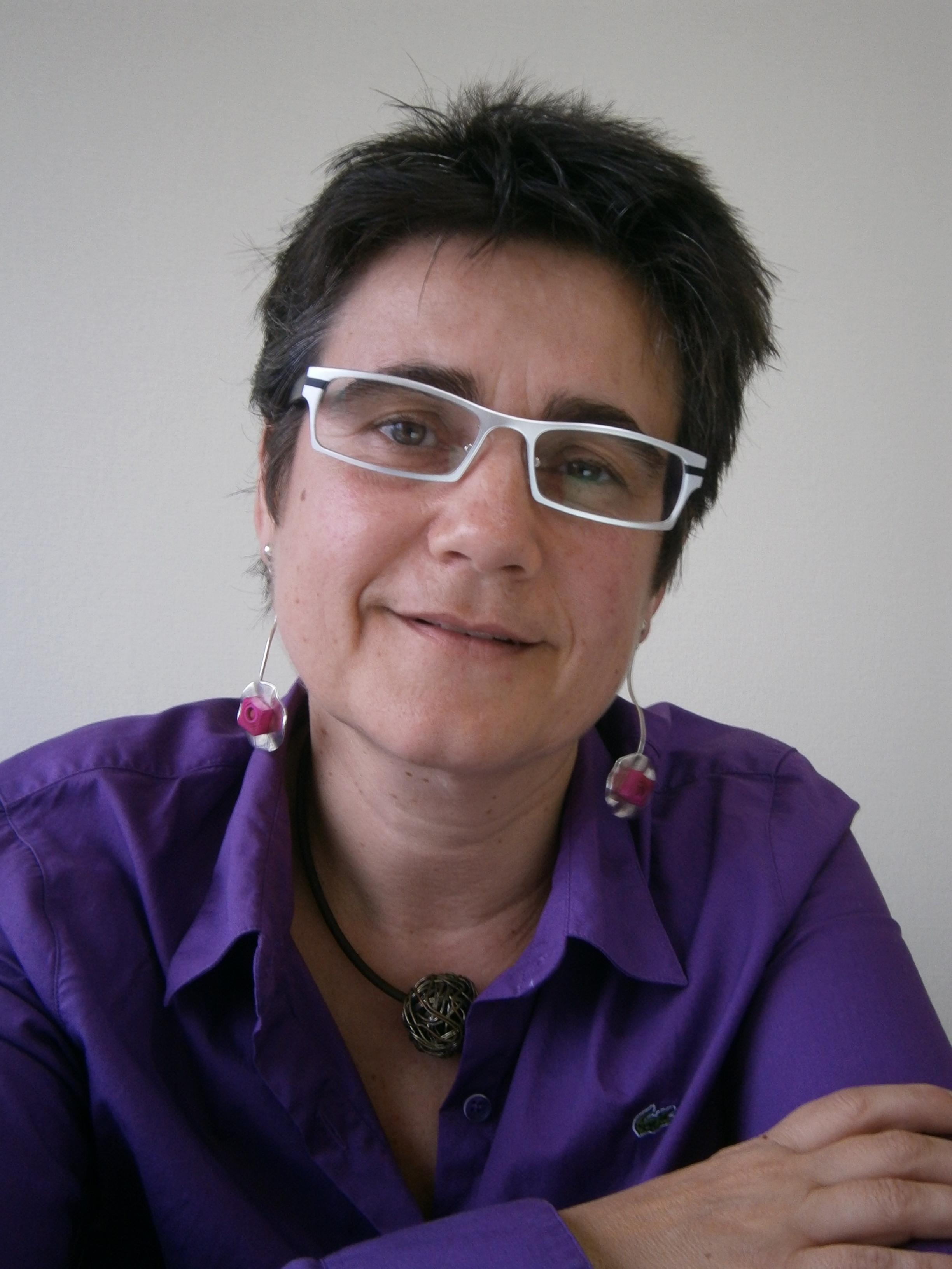 Webinar hosting presenter Mercè Santacana