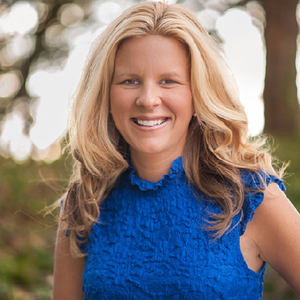 Webinar hosting presenter Carrie Chitsey W