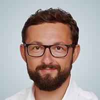 Webinar hosting presenter Michal Bachman