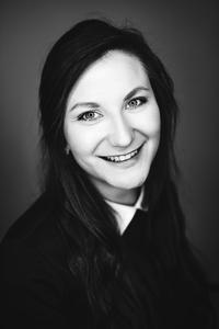 Webinar hosting presenter Eva Pitrunová