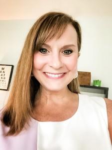 Webinar hosting presenter Leslie Witty