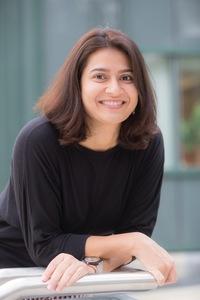 Webinar hosting presenter Shruti D