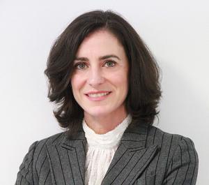 Webinar hosting presenter Ana Martínez