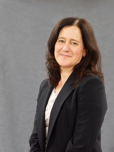 Webinar hosting presenter Jackie Edwards