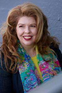 Webinar hosting presenter Elise Stevens