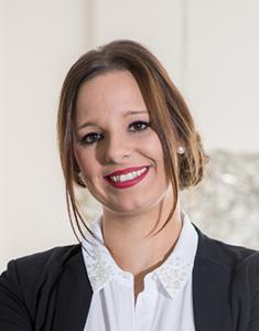 Webinar hosting presenter Annika P