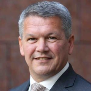 Webinar hosting presenter Michael de Visser