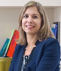 Webinar hosting presenter Isabela Villas Boas