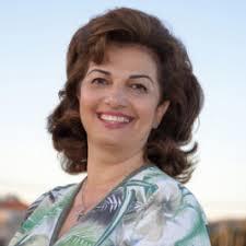 Webinar hosting presenter Marina Tzoutzouraki