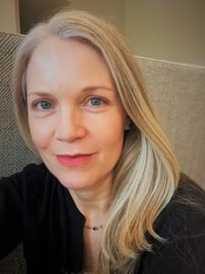 Webinar hosting presenter Laurie Hall