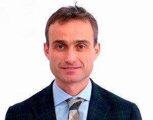 Webinar hosting presenter Fabrizio Macrì