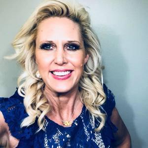 Webinar hosting presenter Julie Sullivan