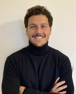 Webinar hosting presenter Leonardo Franceschini