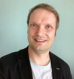 Webinar hosting presenter Jan S