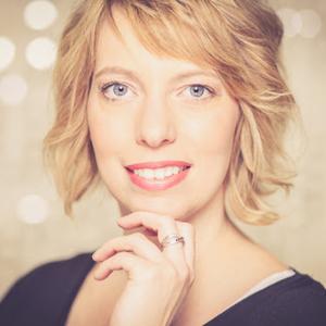 Webinar hosting presenter Natalie K
