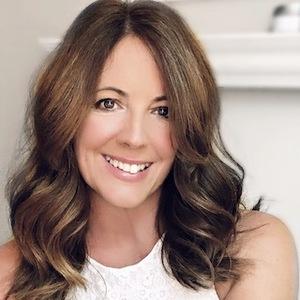 Webinar hosting presenter Laura Monroe